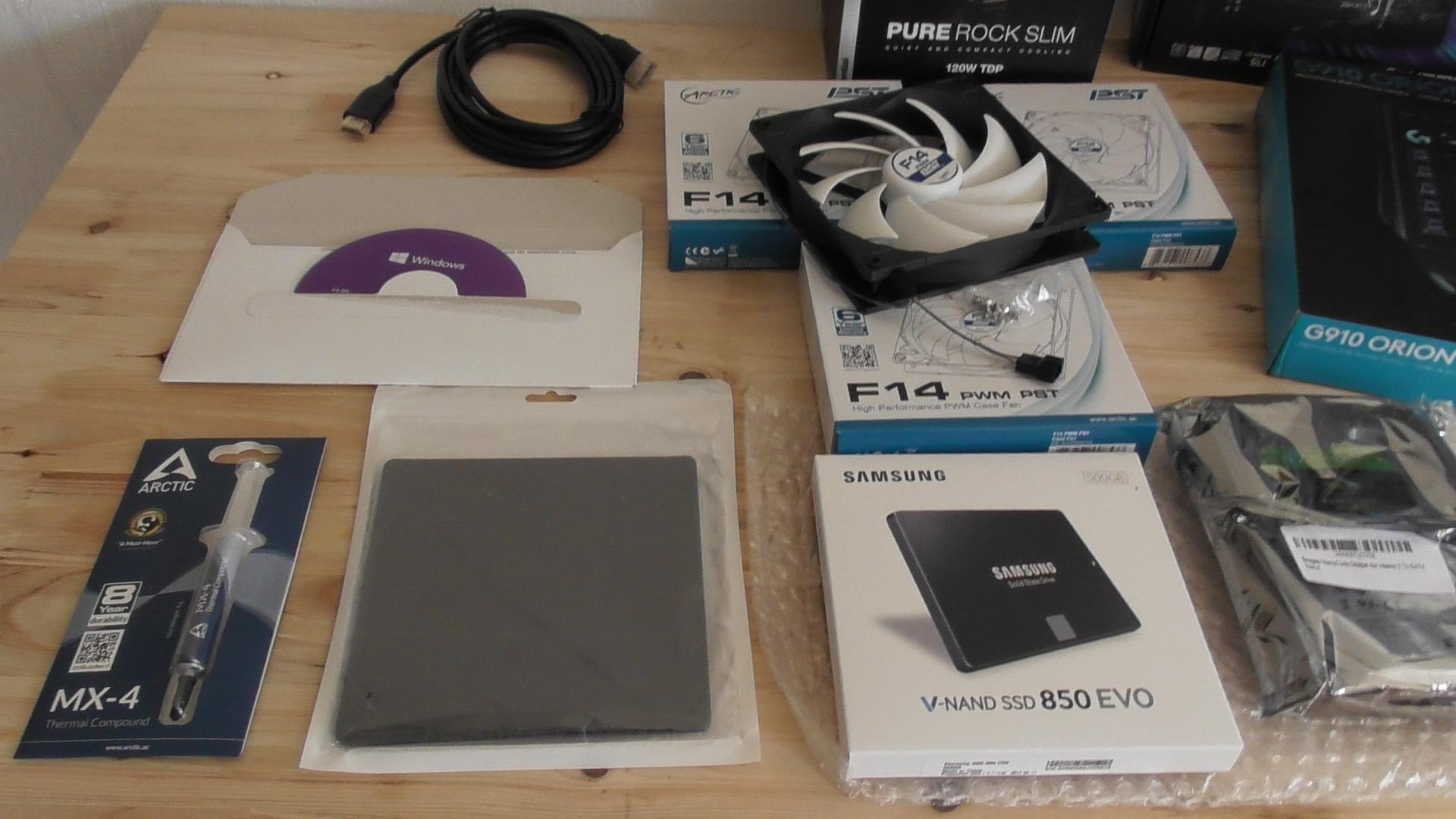 Staubfilter, SSD Festplatte, Betriebssystem