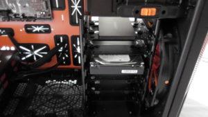Eingebaute Festplatten im Gaming Gehäuse